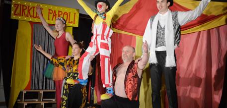 "Junge Lüüd ut Löwenstedt: ""Circus Paroli"""